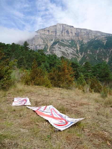 Poesie calligrafate  sul Col de Caux (Foto di Yves Bergeret)