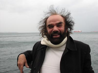 Yiànnis Yfandìs